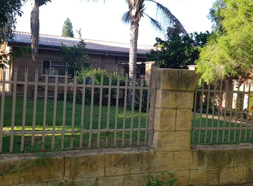 3 Bedroom House for Sale in Miederpark