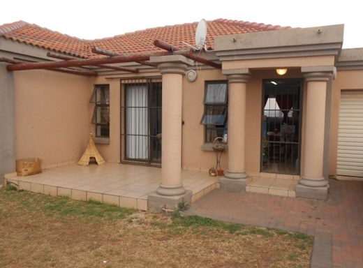 2 Bedroom House for Sale in Baillie Park