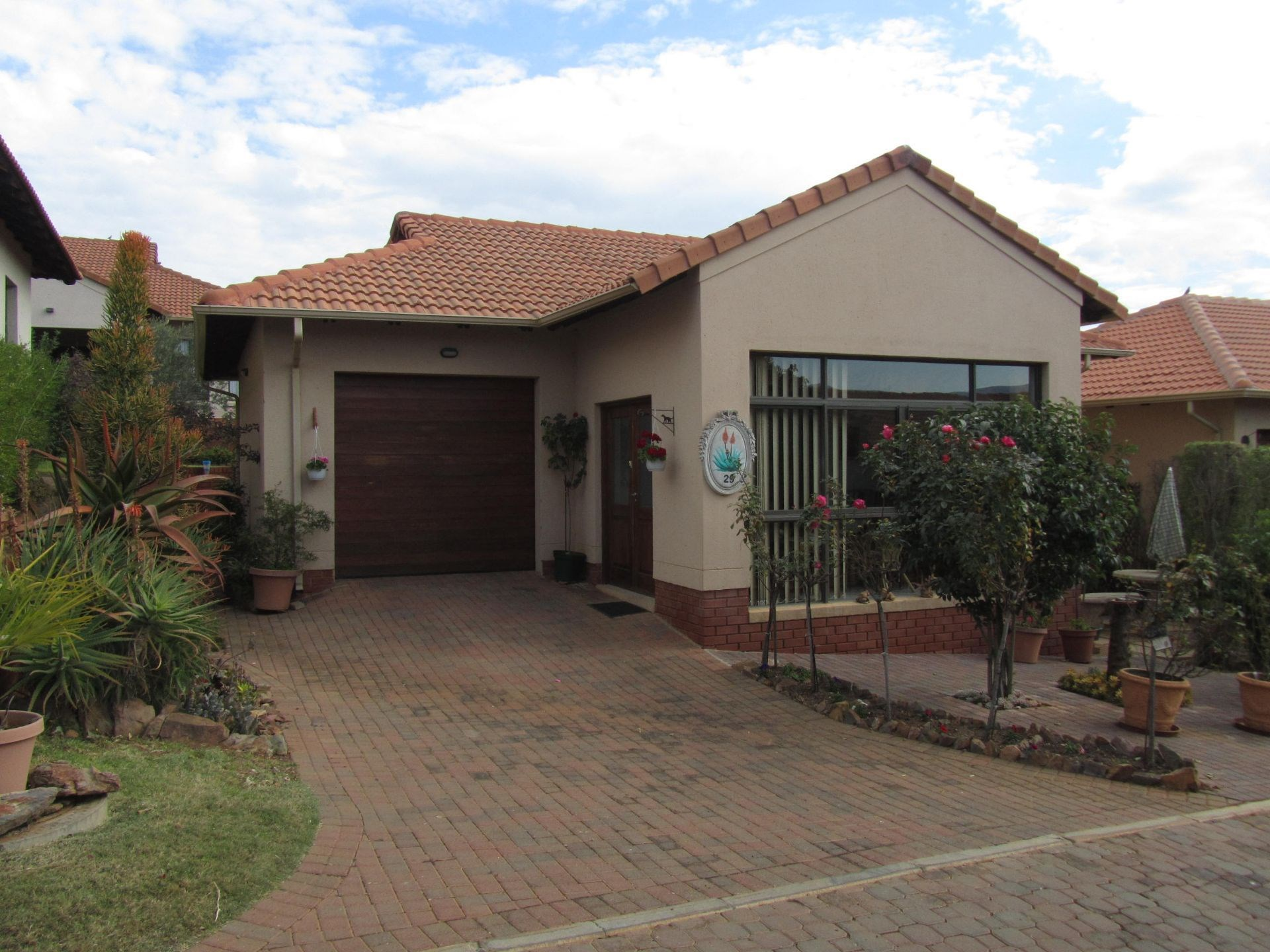 2 Bedroom House for Sale in Xanadu