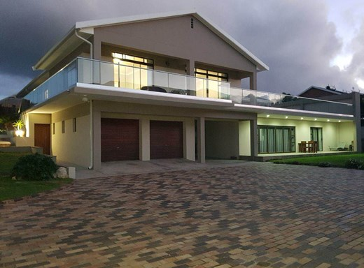 6 Bedroom House for Sale in Humewood