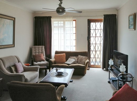 2 Bedroom Apartment for Sale in St Georges Park