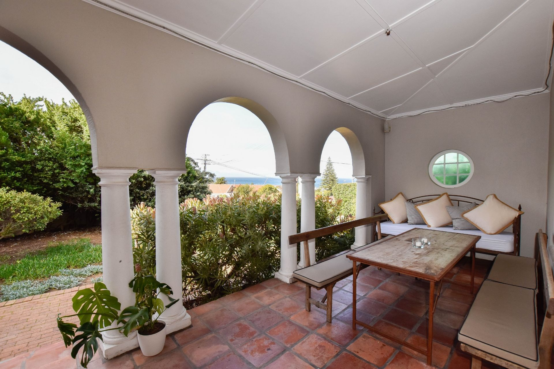 6 Bedroom House for Sale in Kalk Bay