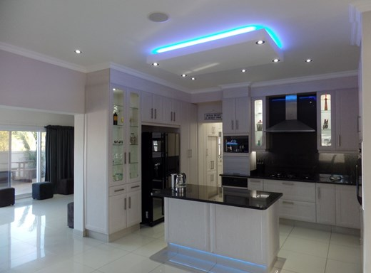 4 Bedroom House For Sale In Beacon Bay East London