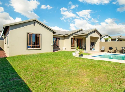 3 Bedroom House for Sale in Barbeque Downs