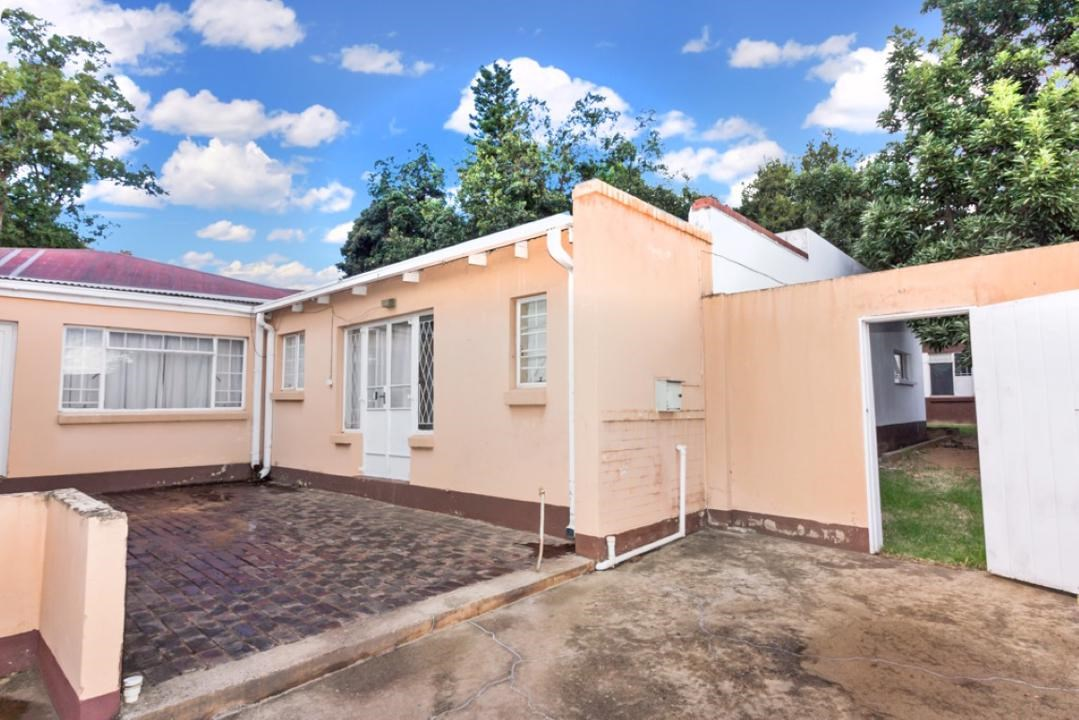 3 Bedroom House for Sale in Parktown North