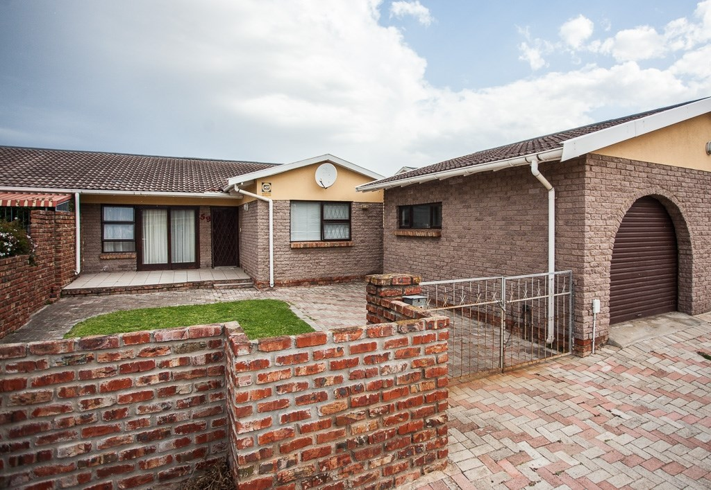 3 Bedroom Townhouse for Sale in Newton Park