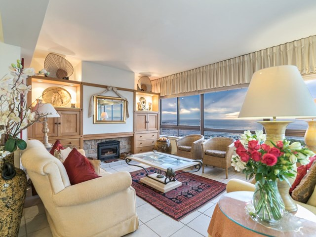 Mouille Point Apartment For Sale