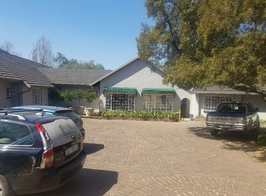2 Bedroom Apartment to Rent in Bryanston East