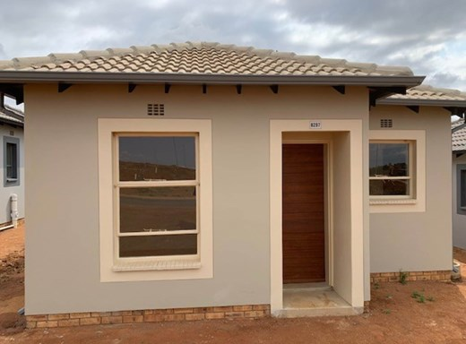 2 Bedroom House for Sale in Clayville