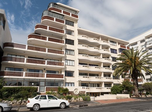 1 Bedroom Apartment for Sale in Sea Point