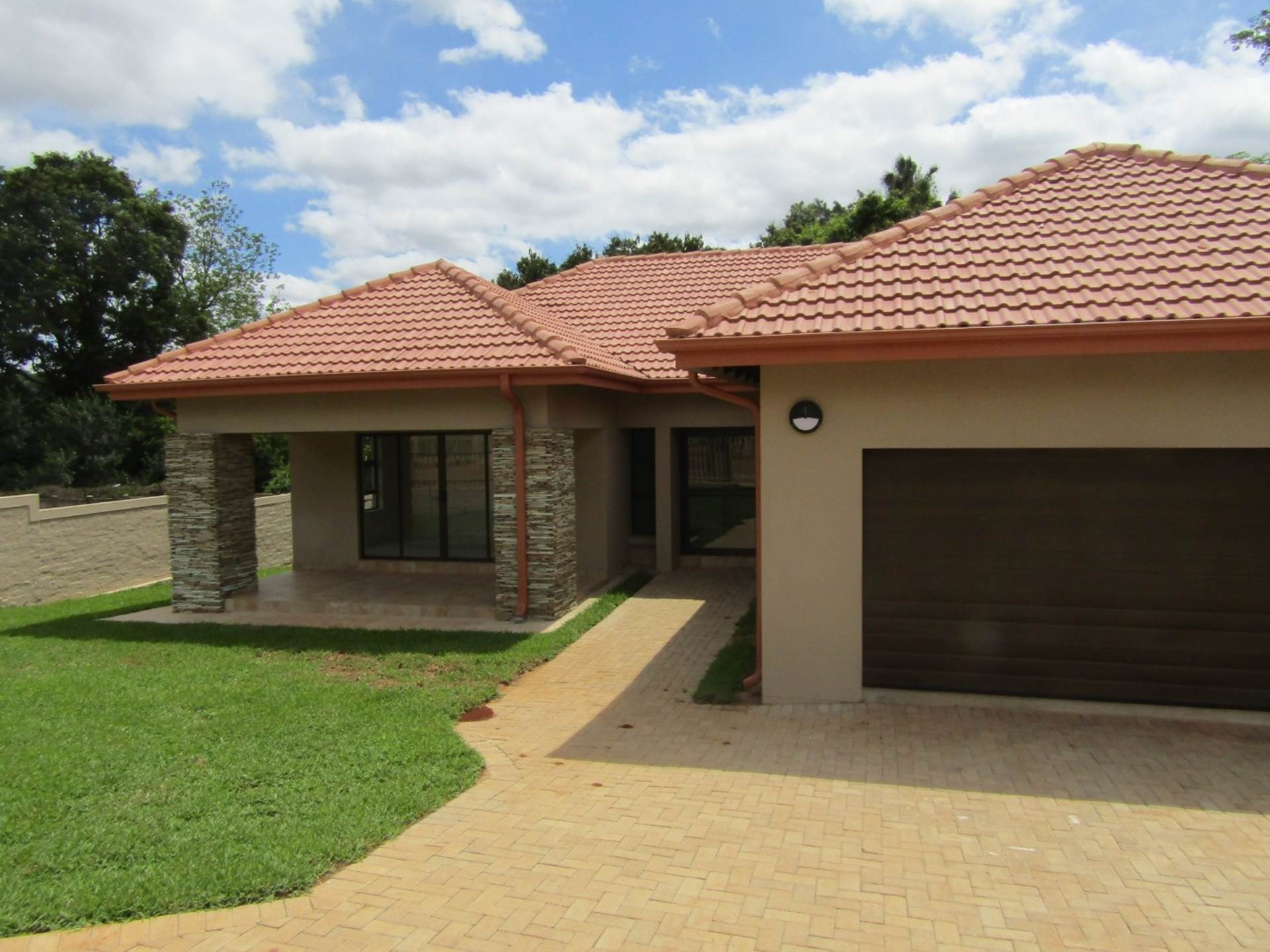 3 Bedroom House for Sale in Aquapark