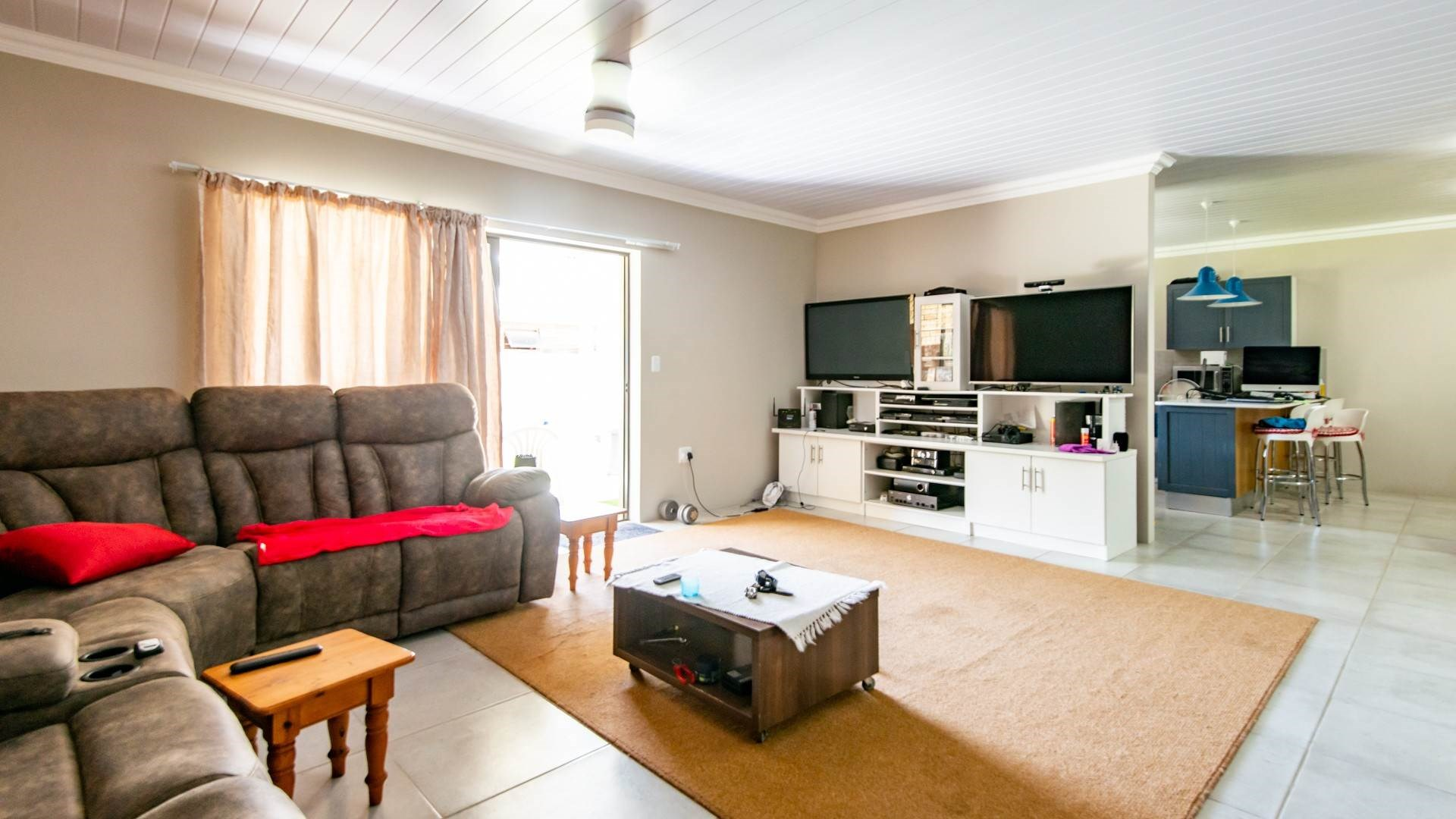 2 Bedroom Townhouse for Sale in Still Bay West