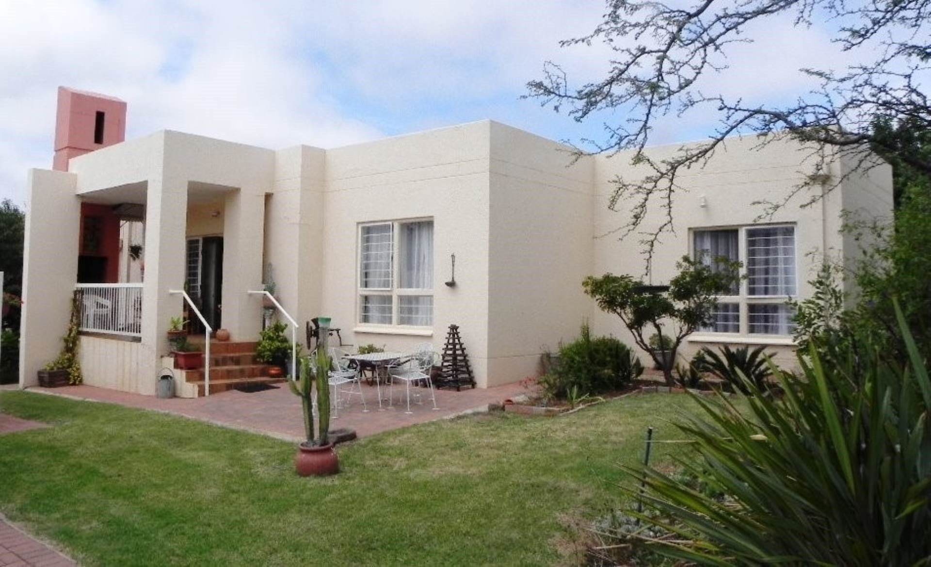2 Bedroom Cluster for Sale in Rietvalleirand