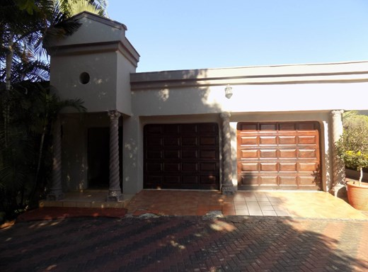 4 Bedroom House for Sale in Aquapark