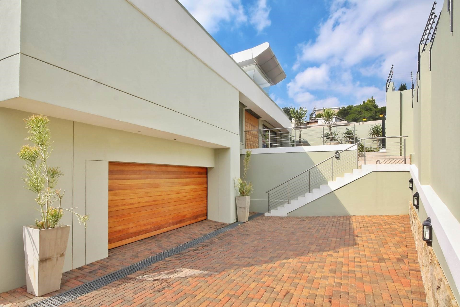 4 Bedroom House for Sale in Constantia Kloof