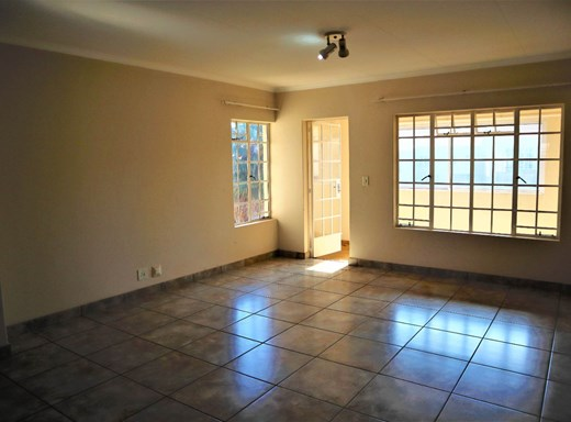 2 Bedroom Townhouse for Sale in Freeway Park