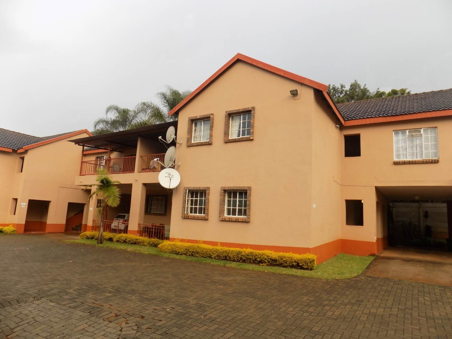 2 Bedroom Townhouse for Sale in Aquapark