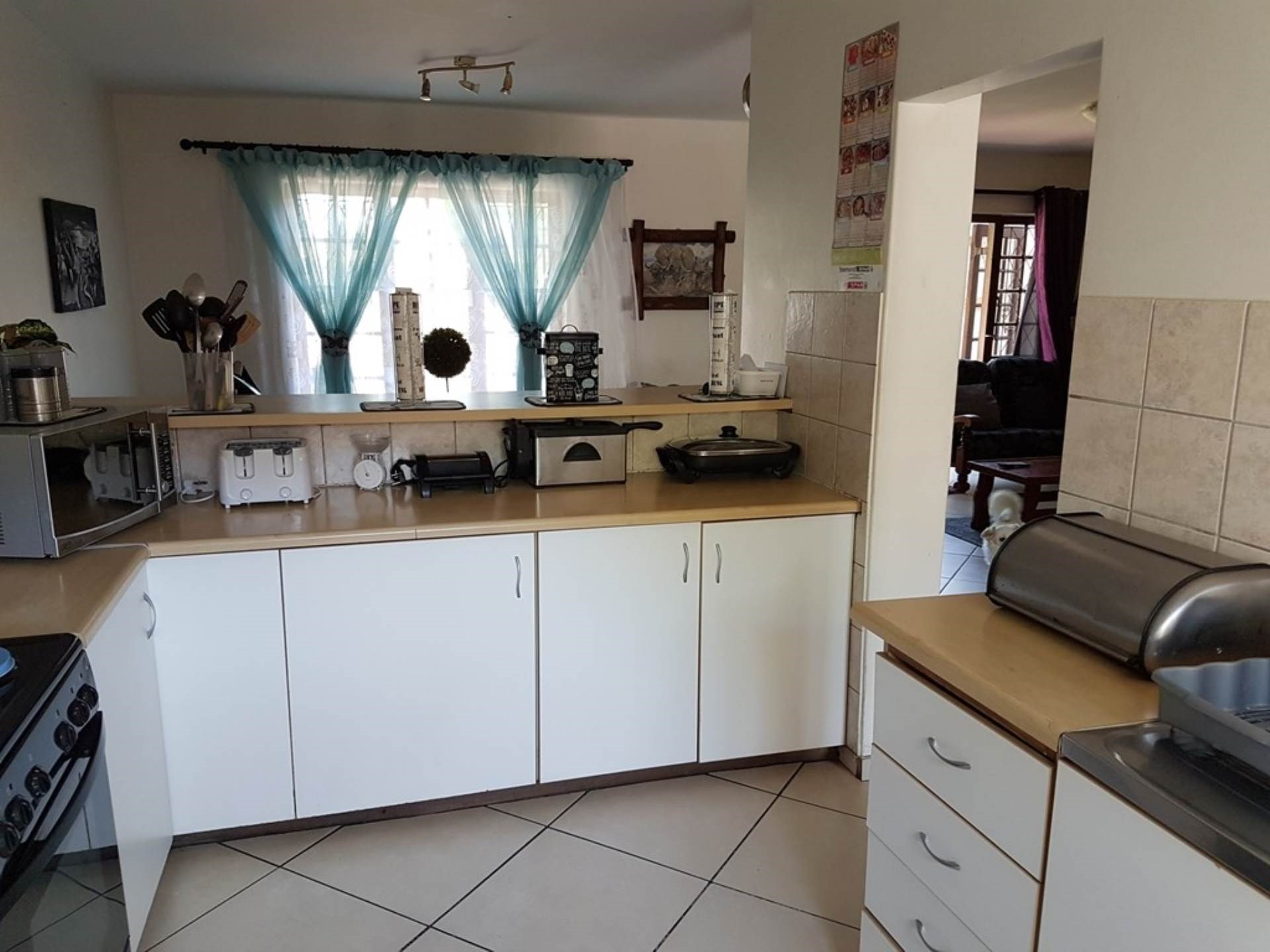 3 Bedroom Flat for Sale in Arboretum