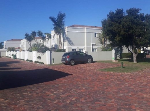 4 Bedroom Townhouse for Sale in Summerstrand