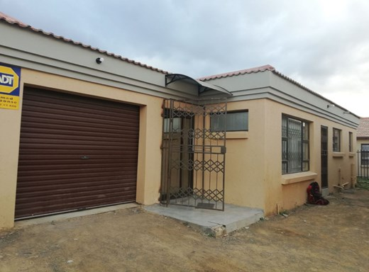 3 Bedroom House for Sale in Vista Park