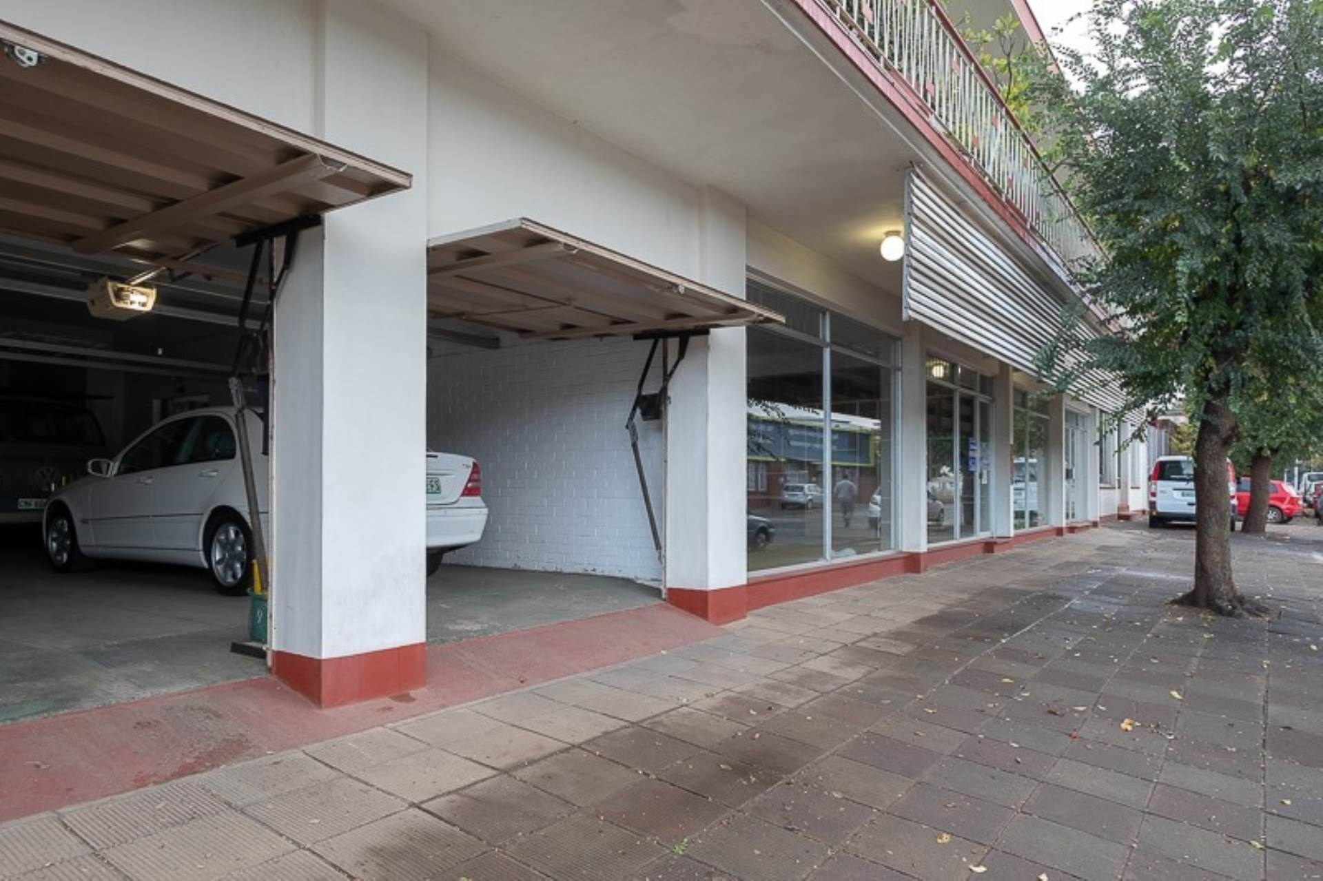 Retail for Sale in Hilton