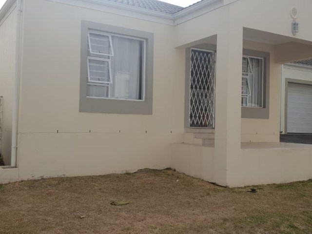 Somerset West Townhouse To Rent