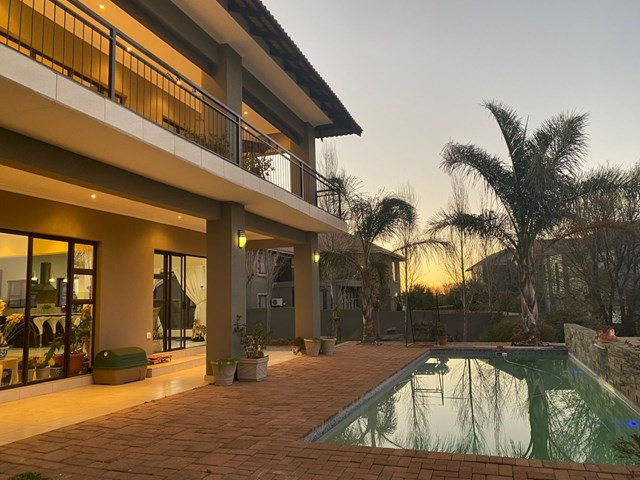 Woodland Hills House For Sale
