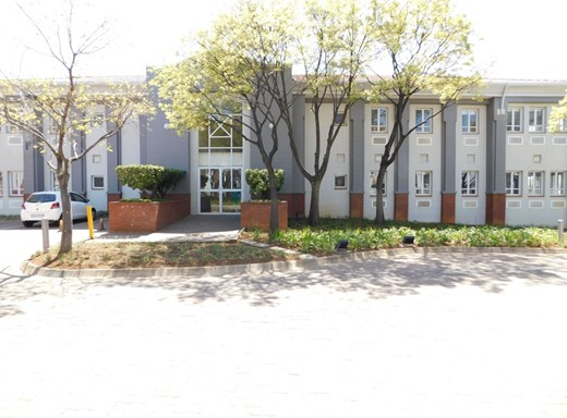 Office to Let in Bryanston