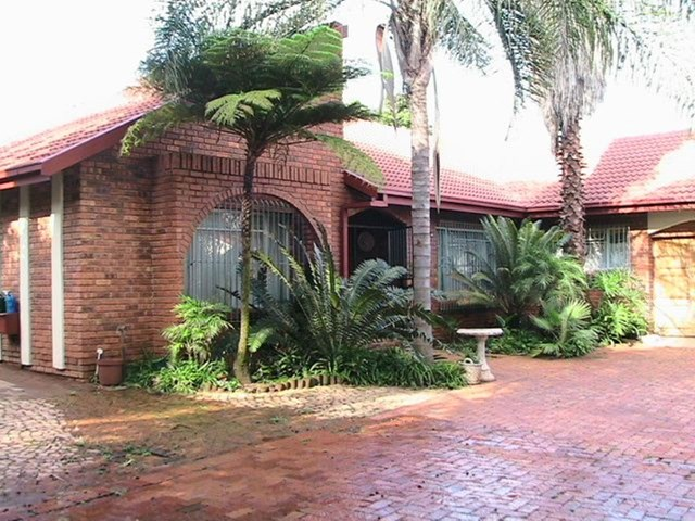 Waverley House To Rent
