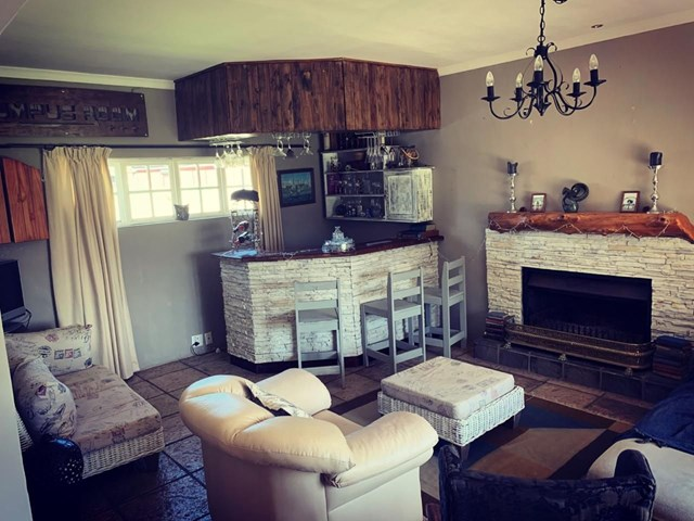 Woodlands House To Rent