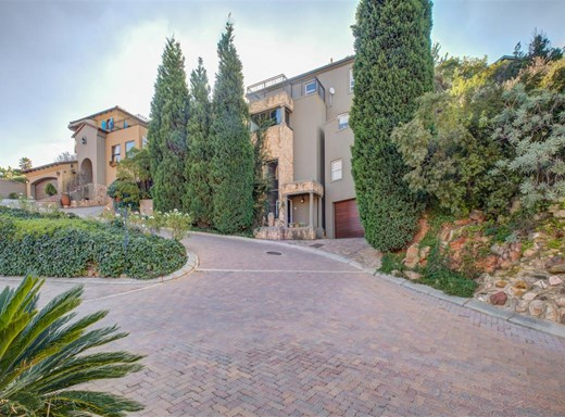 3 Bedroom House for Sale in Constantia Kloof